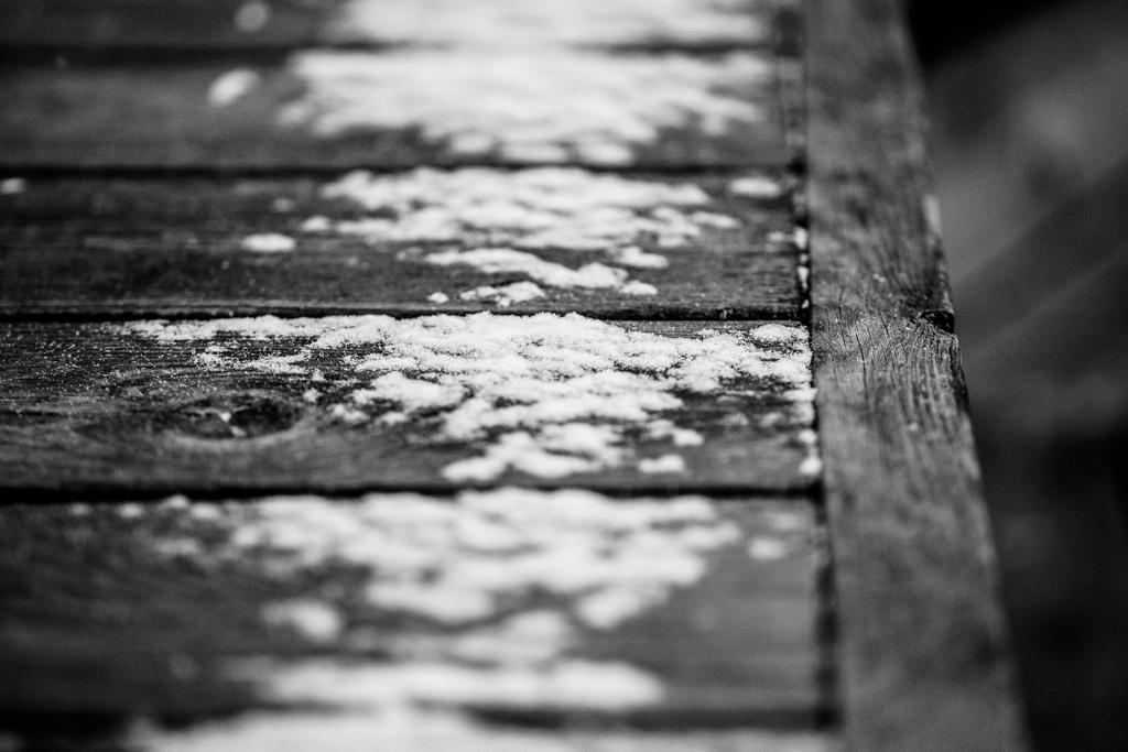 ... snowy rack ...